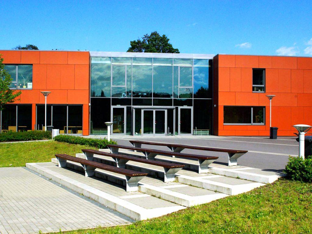 Strittmatter Gymnasium Bänke